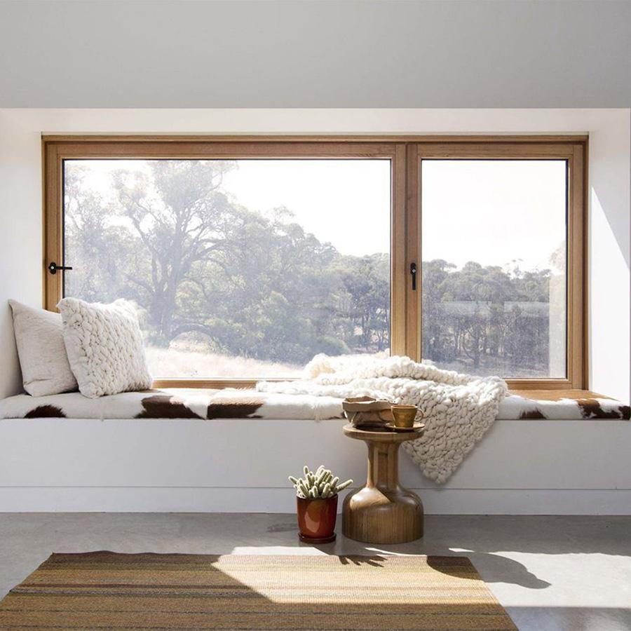 Деревянное окно из лиственницы