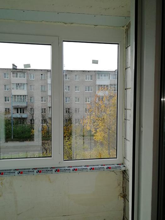 Окно в проём балкона