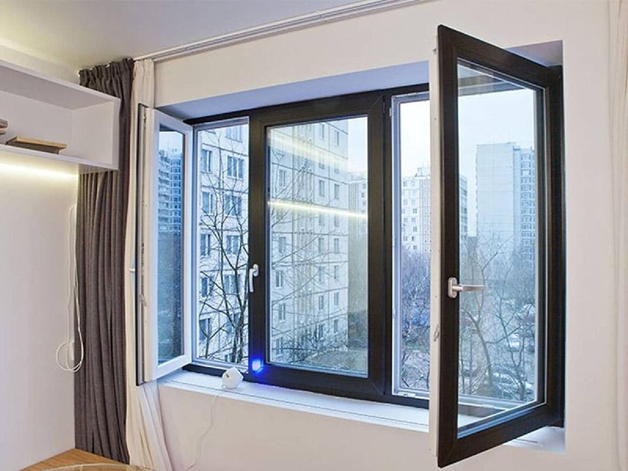 Отделка балкона с крышей